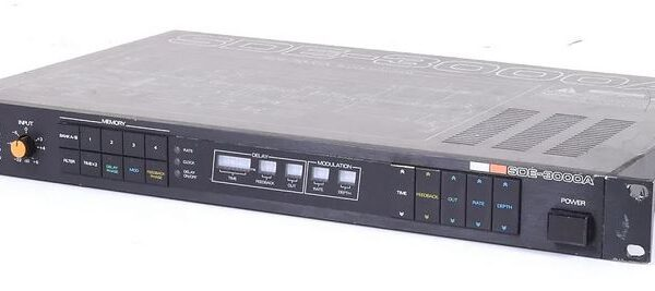Roland SDE-3000A Digital Delay & Effects (used)