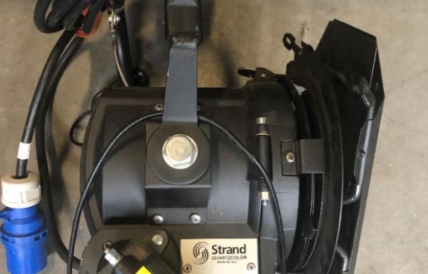 Strand Bambino 650W Pole Operated (used)